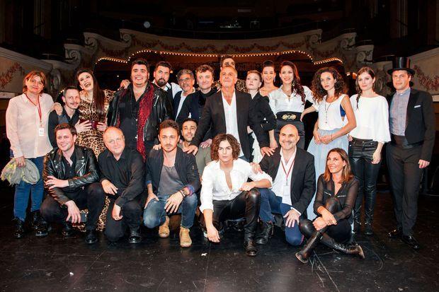 """Zazie et a troupe de """"Le rouge et le noir, l'opéra rock"""" au théâtre Le Palace"""