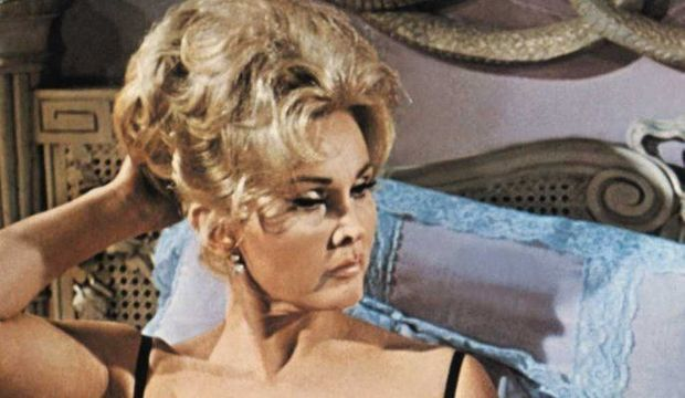 Zsa-Zsa-Gabor-sur-le-tournage-de-Drop-Dead-Darling-en-1966_articlephoto-