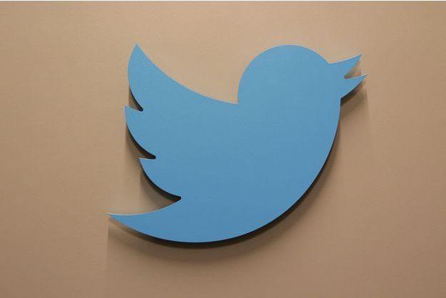 Le logo de Twitter, au siège de l'entreprise à San Francisco, en Californie.