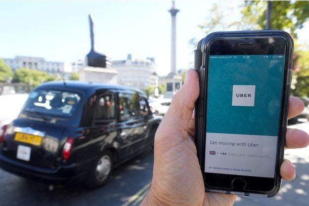 Le tribunal de Londres a décidé qu'Uber devrait rémunérer ses chauffeurs au salaire minimum (image d'illustration).