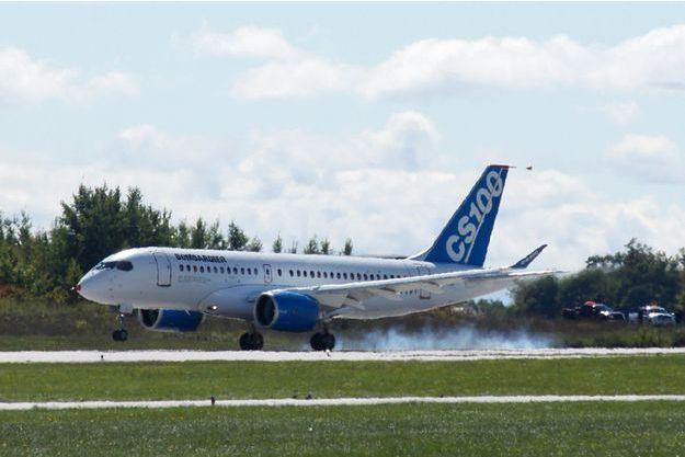 Un avion CS100 de la compagnie Bombardier.