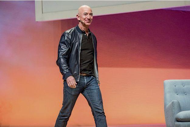 Jeff Bezos, 53 ans, P-DG d'Amazon, et l'homme le plus riche du monde.
