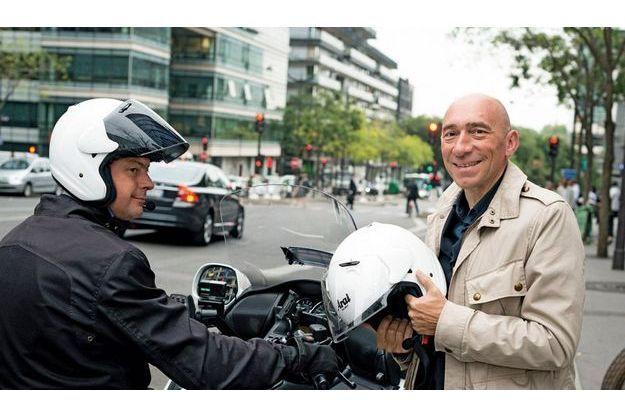 Quand il n'est pas sur son scooter, Denis Hennequin avale 200km à vélo le week-end.