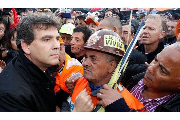 La solution prônée par Arnaud Montebourg, et soutenue par les représentants des salariés, n'a pas été retenue par le gouvernement. Ce qui a déçu les syndicats, et fait dire à certains que le ministre avait été désavoué.