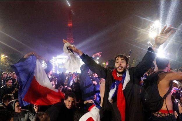 La fan-zone de la Tour Eiffel pendant le match France-Islande le 3 juillet.
