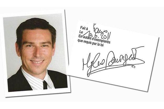 Parmi ses clients, Mylène Demongeot, dont il a imité  la signature (à droite) et qui a perdu 2 millions d'euros.