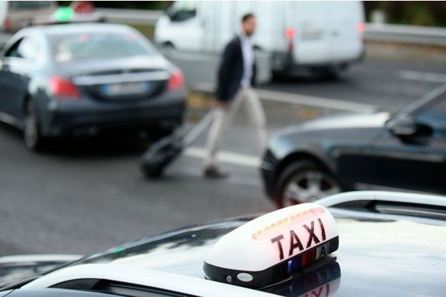 Opération de blocage des taxis, à Toulouse, le 4 avril.