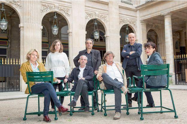 Sept architectes renommés dénoncent une mesure de la loi Elan. De g. à dr. : Anne Démians (Tours Black Swans, à Strasbourg (67)), Alice Wijnen (Le Centaure, à Flaine (74)), Pablo Katz (Ilot des Mariniers, Paris-XIVe-Broussais (75)), Pascal Rollet (Zac Seguin-Rives de Seine, à Boulogne-Billancourt (92)), Francis Soler (Centre de recherche et de développement d'EDF, à Saclay (91)), Marc Barani (Centre de congrès, à Nancy (54)) et Florence Lipsky (Zac Seguin-Rives de Seine, à Boulogne-Billancourt (92)).