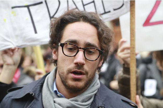 Thomas Hollande lors d'une manifestation des employés français du laboratoire japonais Daiichi Sankyo, en novembre 2016.