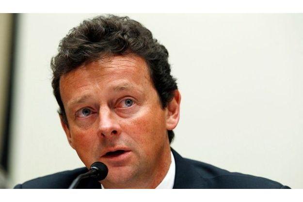 Tony Hayward, actuellement président de la compagnie BP, sera remplacé en octobre par Bob Dudley.