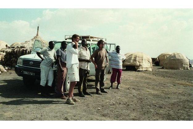Dans ce documentaire coup de poing coréalisé avec Jean-Albert Lièvre, Nicolas Hulot nous montre une planète en danger.
