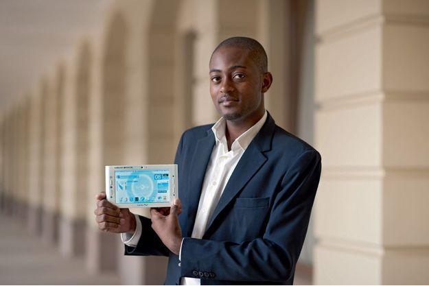 « Au Cameroun, il y a moins  de 50 cardiologues  pour 20 millions d'habitants! » Arthur Zang créateur du CardioPad