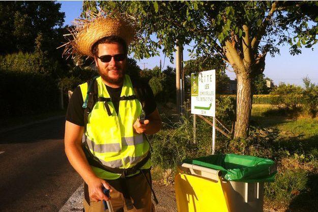 Hervé Pighiera et sa poubelle ont parcouru 1000 kilomètres jusque Paris.