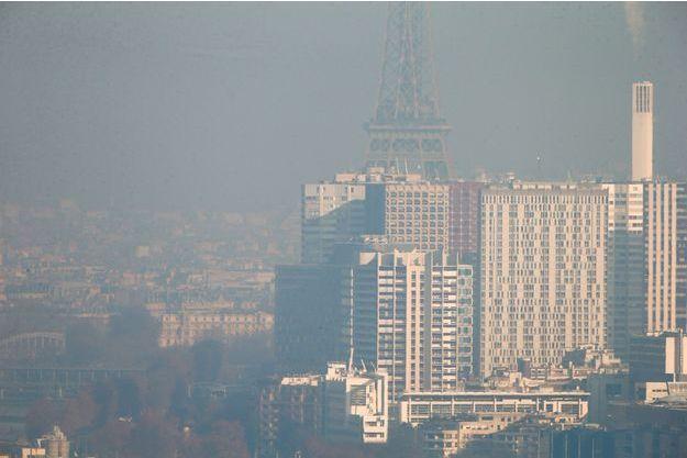 Illustration du pic de pollution à Paris en décembre 2016.