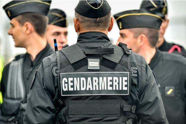 Des milliers de photos et vidéos pédopornographiques ont été découvertes chez un septuagénaire du Rhône.