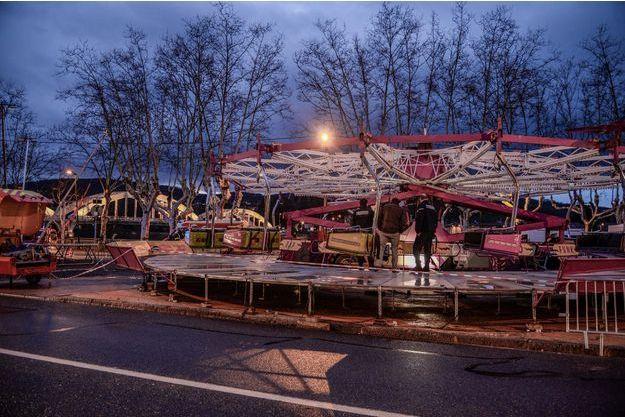 L'effondrement d'un manège a provoqué la mort d'un père de famille.