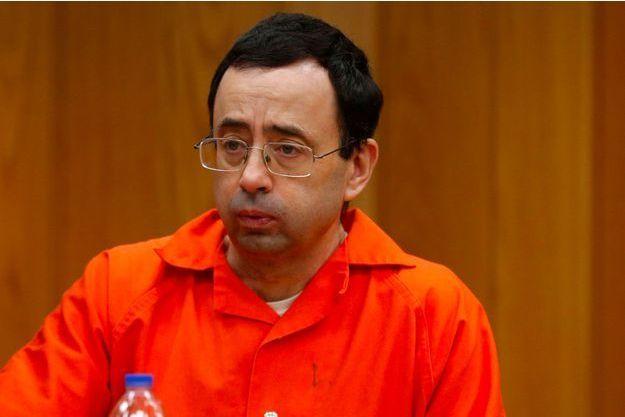 Larry Nassar lors de son procès à Charlotte, dans le Michigan, vendredi.