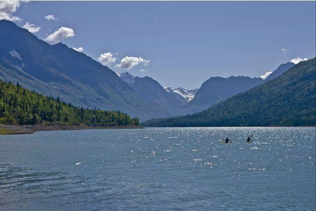 Des kayakistes sur le lace Eklutna, en Alaska (photo d'illustration).