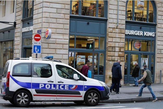Le Burger King au centre de Bordeaux où le braquage a eu lieu dimanche.