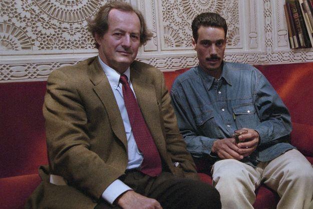 En France, à Paris, le 8 octobre 1998, Jean-Marie Rouart (à droite) et Omar Raddad.