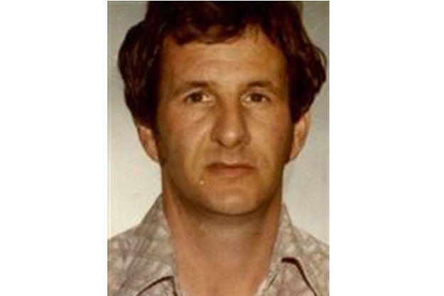 La police a diffusé la photo du suspect, après son arrestation, afin de recueillir de nouveaux témoignages.