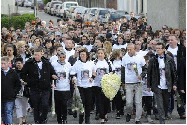 La marche blanche en la mémoire de Chloé.