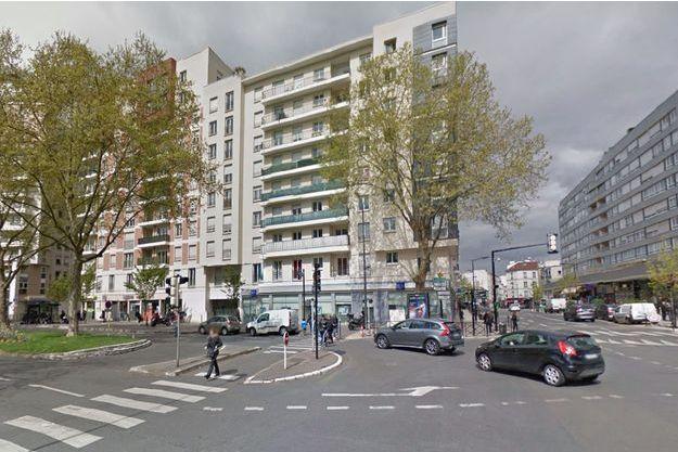 Le drame s'est joué au 8e étage d'un immeuble de la place Charras à Courbevoie.
