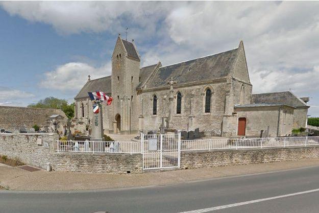 Le cimetière de Tracy-sur-Mer a été dégradé.