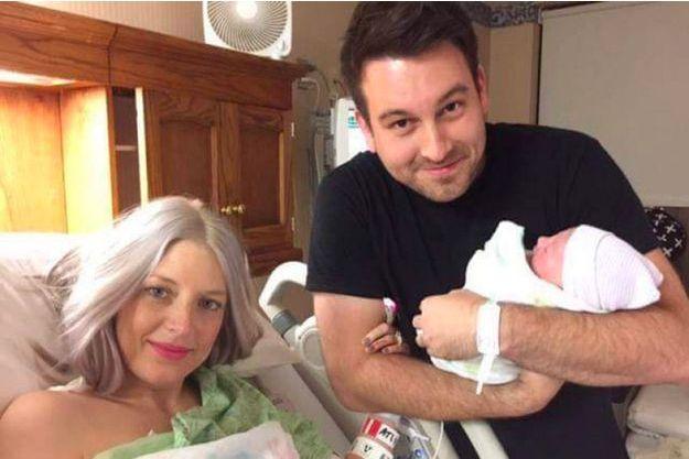 Megan et Nathan Johnson et leur bébé avant le drame.