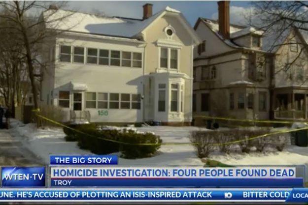Les corps ont été découverts dans cet immeuble.