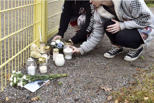 Mémorial en hommage au petit garçon de trois ans, assassiné par son père, le 13 novembre 2017 à Porvoo en Finlande