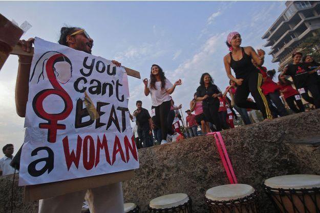 En Inde, une manifestation faite contre les violences faites aux femmes