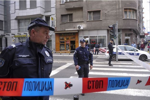 Un homme est mort en se faisant exploser lundi dans une pâtisserie de Belgrade, le 21 mars 2016.