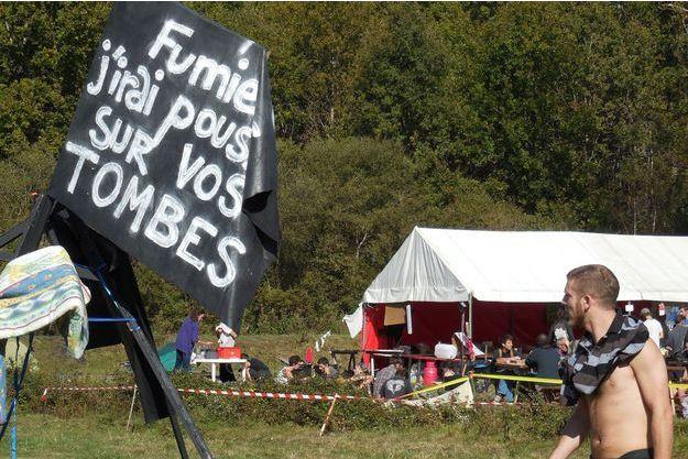 Des opposants au barrage de Sivens, dans le Tarn.