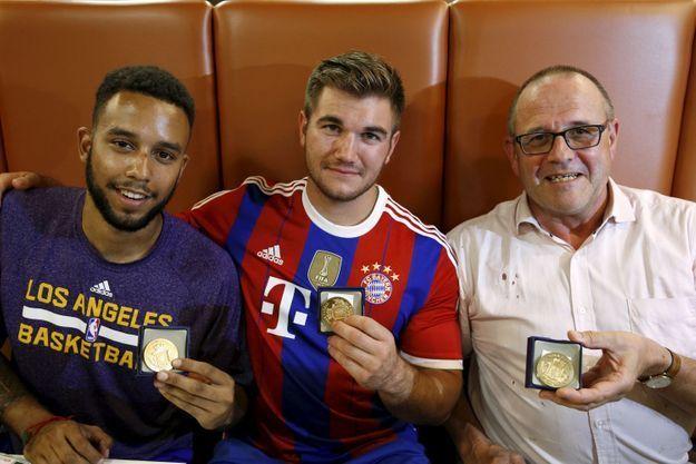 Trois des quatre héros du Thalys.
