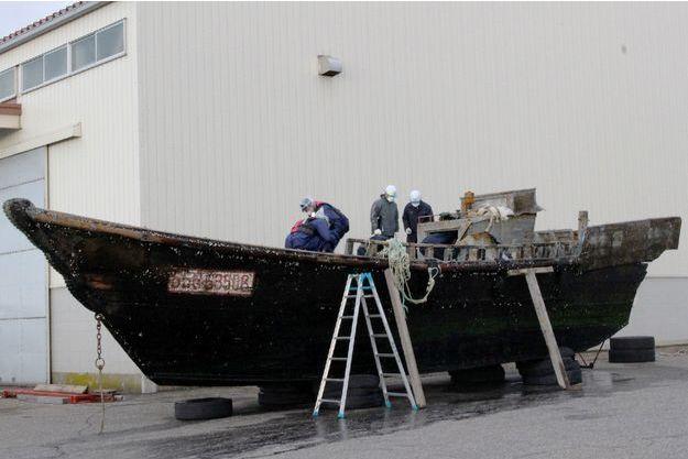 Ce sont des bateaux comme celui-ci qui ont été découverts au large du Japon