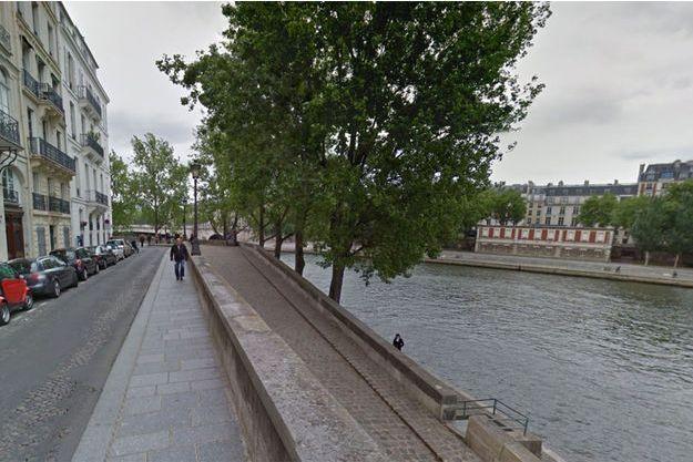 Quai d'Orléans à Paris, où la jeune femme a été agressée mercredi.