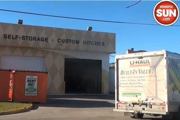 C'est dans cet entrepôt que les corps ont été retrouvés.