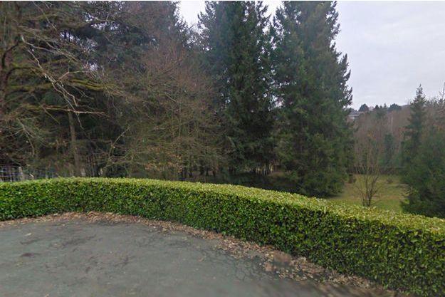 Le bébé a été retrouvé dans un buisson de ce parc d'Angers.