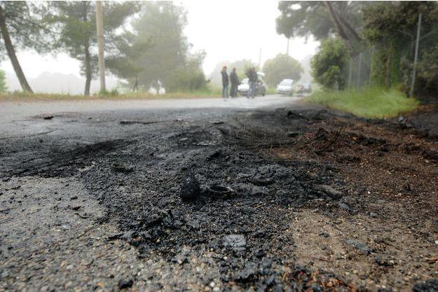 C'est sur le chemin de Fabrégoules que le corps a été découvert, dans une voiture en feu.