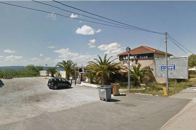 La victime a été retrouvée sur le parking de la boîte de nuit Mix Club, à Rognac.