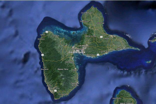 La commune des Abymes est située dans le centre de la Guadeloupe.