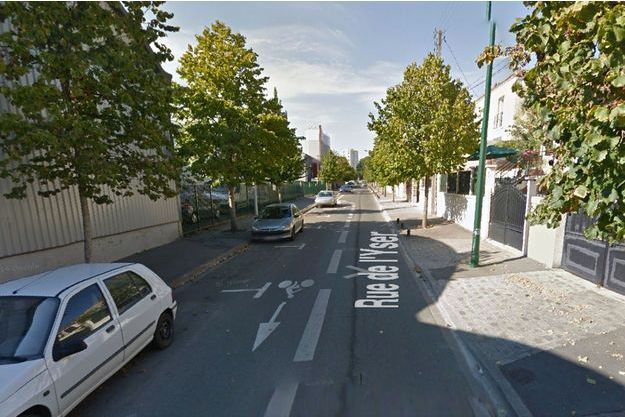 La collision entre le véhicule de police et celui des malfaiteurs a eu lieu dans cette rue d'Epinay-sur-Seine.