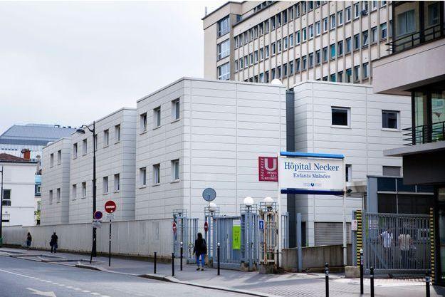 Deux des enfants ont été transportés à l'hôpital parisien Necker.