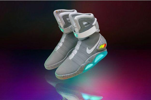 Les Nike Autolaçantes Vendues Baskets Dollars 104 De 000 xhCBrtsQd