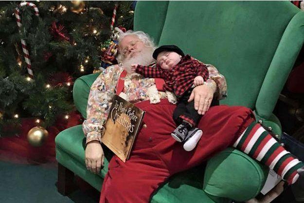 Le petit Zeke et le Père Noël, photographiés le 26 novembre dernier.
