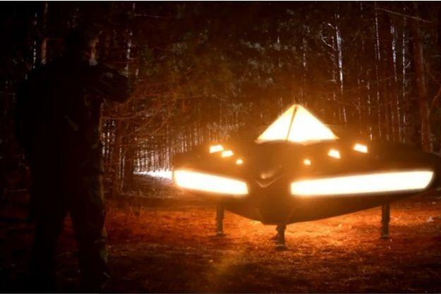 Rencontres Extraterrestre, série docu  Victime-d-un-OVNI-le-gouvernement-paye