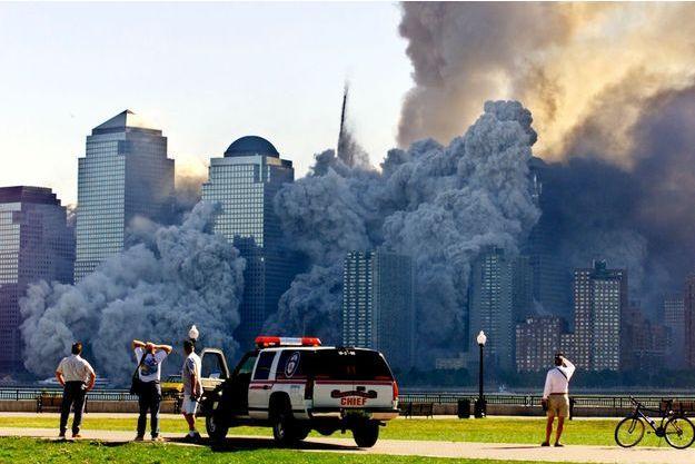 L'effondrement de la 2ème tour du WTC le 11 septembre 2001.