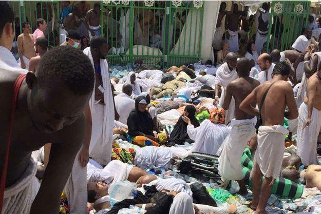 Plusieurs centaines de pèlerins ont péri dans ce tragique accident.