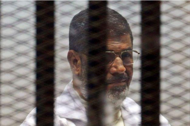 Morsi, en plein procès.